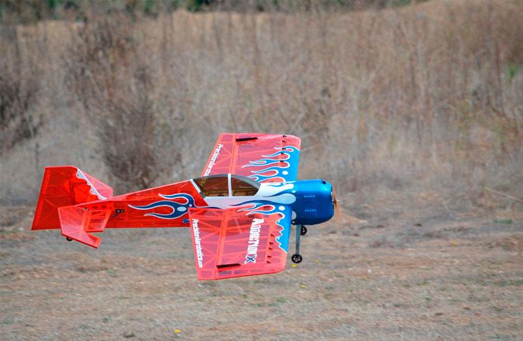 aterrizar-un-avion-rc-distancia-del-suelo-bj