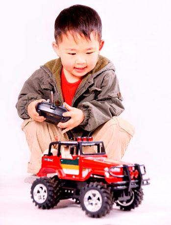 mejores-coches-teledirigidos-para-niños-radiocontrolers-bj